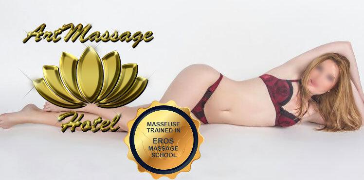 blonde slim masseuse barcelona